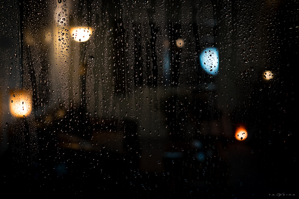 droplets-livingroom