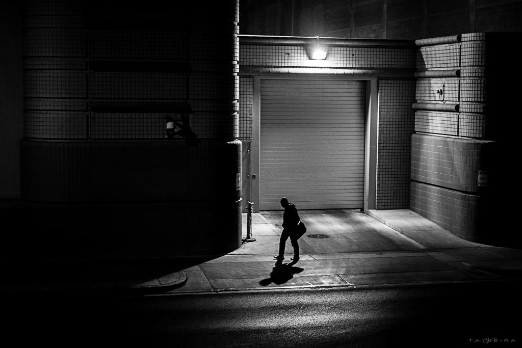 silhouette-walk