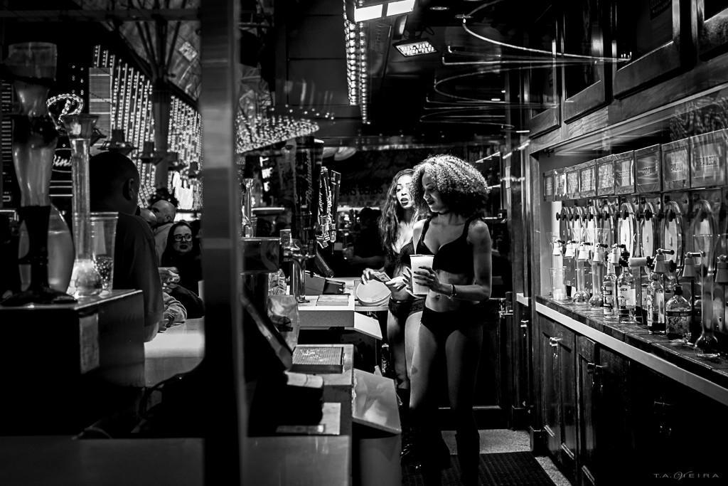 bartender-ladies