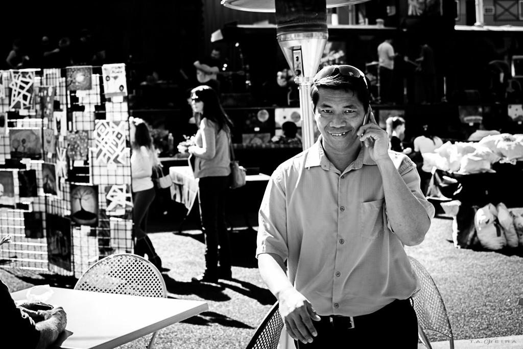 smiling-phone-guy